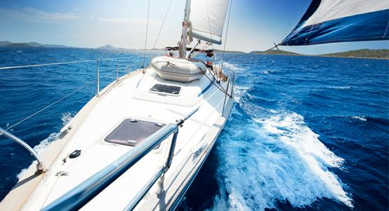 556x302_sailing